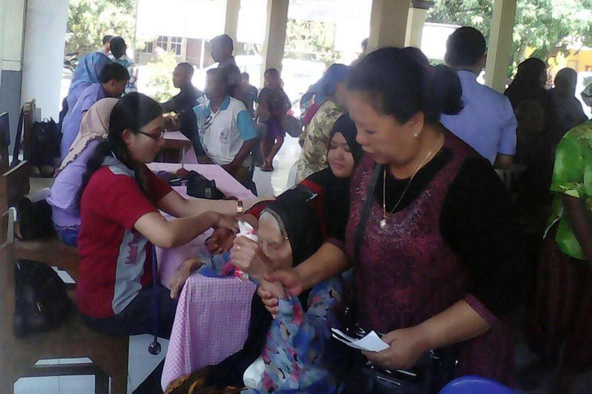 500 Warga Masyarakat Ikuti Pemeriksaan dan Pengobatan Gratis di Nganjuk