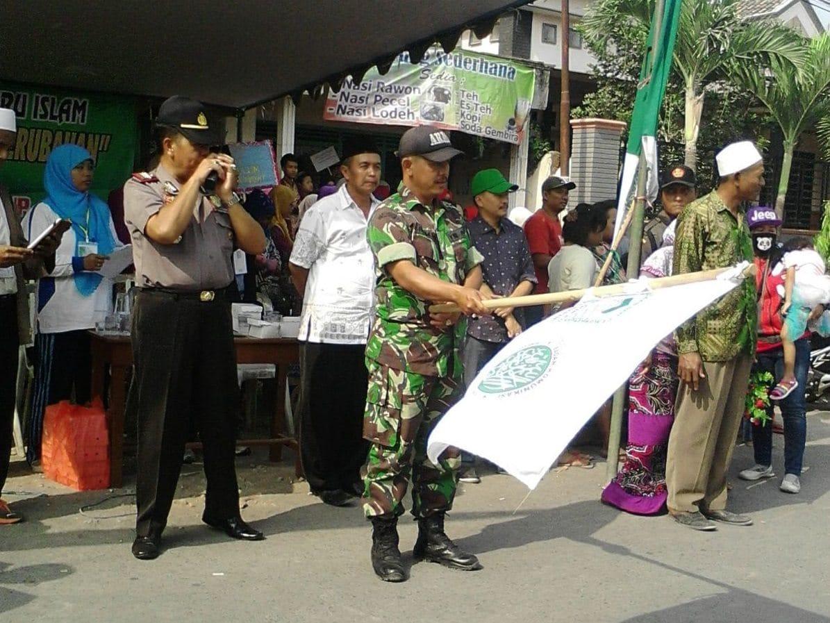 SERTU RAHMAN BERHARAP PAWAI TAARUF BISA MENJADI BAGIAN MENINGKATKAN KESADARAN GENERASI UNTUK MEMPERDALAM PENGETAHUAN TENTANG ISLAM-2