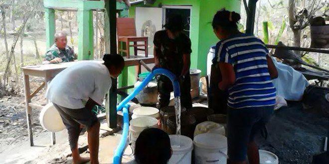 HUT TNI, Koramil Droping Air Bersih di Karanganyar Ngawi