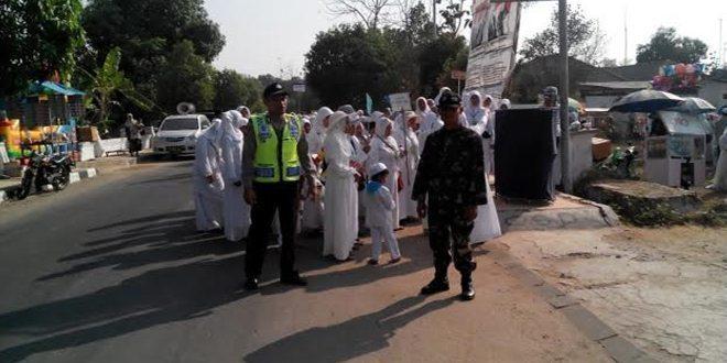 Koramil Senori Bantu Polsek Dalam Pengamanan Latihan Manasik Haji Usia Dini