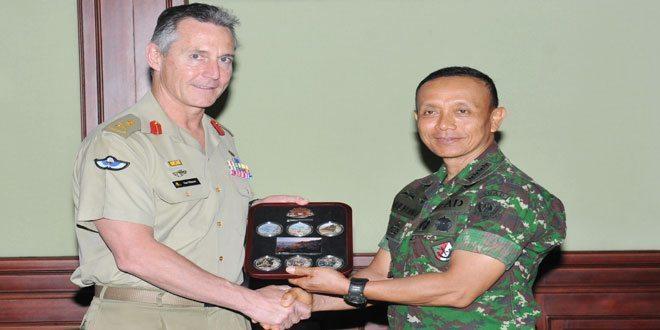 Kasad Terima Kunjungan Kehormatan Australian Forces Commander