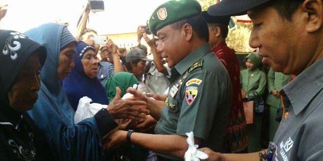 Bersama Seluruh Elemen Masyarakat, TNI Bangun Desa Melalui Program TMMD Ke-95 Tahun 2015