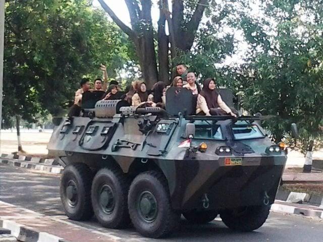 LDKS SMU 52 Jakarta Utara di Yonif Mekanis 201/Jaya Yudha