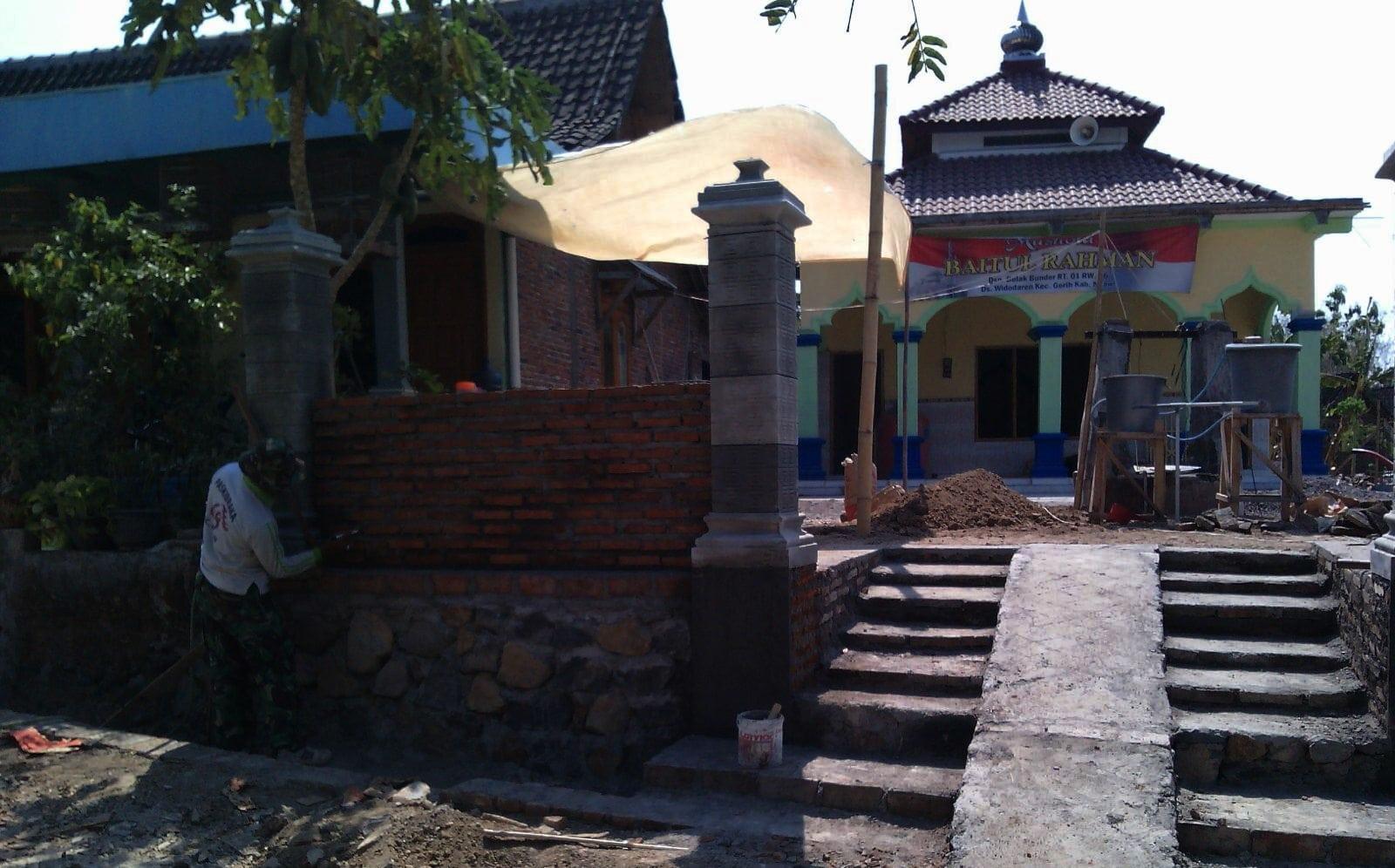 Kodim 0805/Ngawi Gelar Karya Bhakti Perbaikan Sejumlah Fasilitas Umum