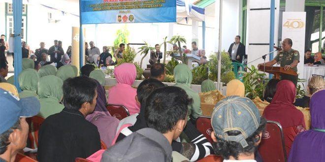 Bakti Sosial Memperkokoh Kemanunggalan Antara TNI Dan Rakyat