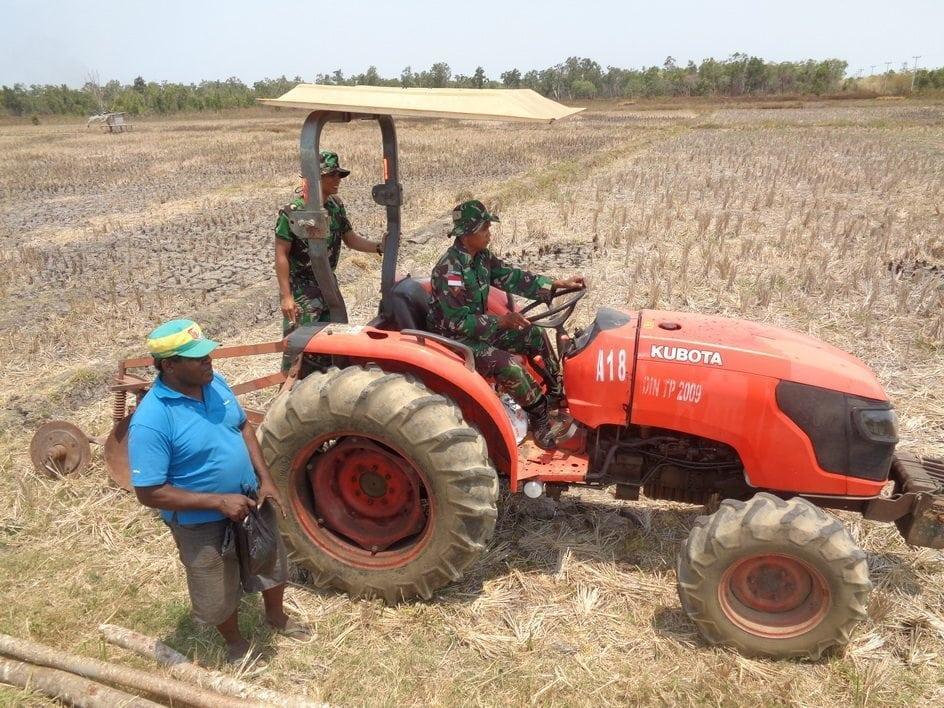 Pos Bokem Buka Lahan Sawah 1 Hektar