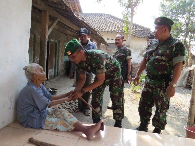 Dandim 0713/Brebes Kunjungi Rumah Ibu Sudriyah Istri Almarhum Veteran