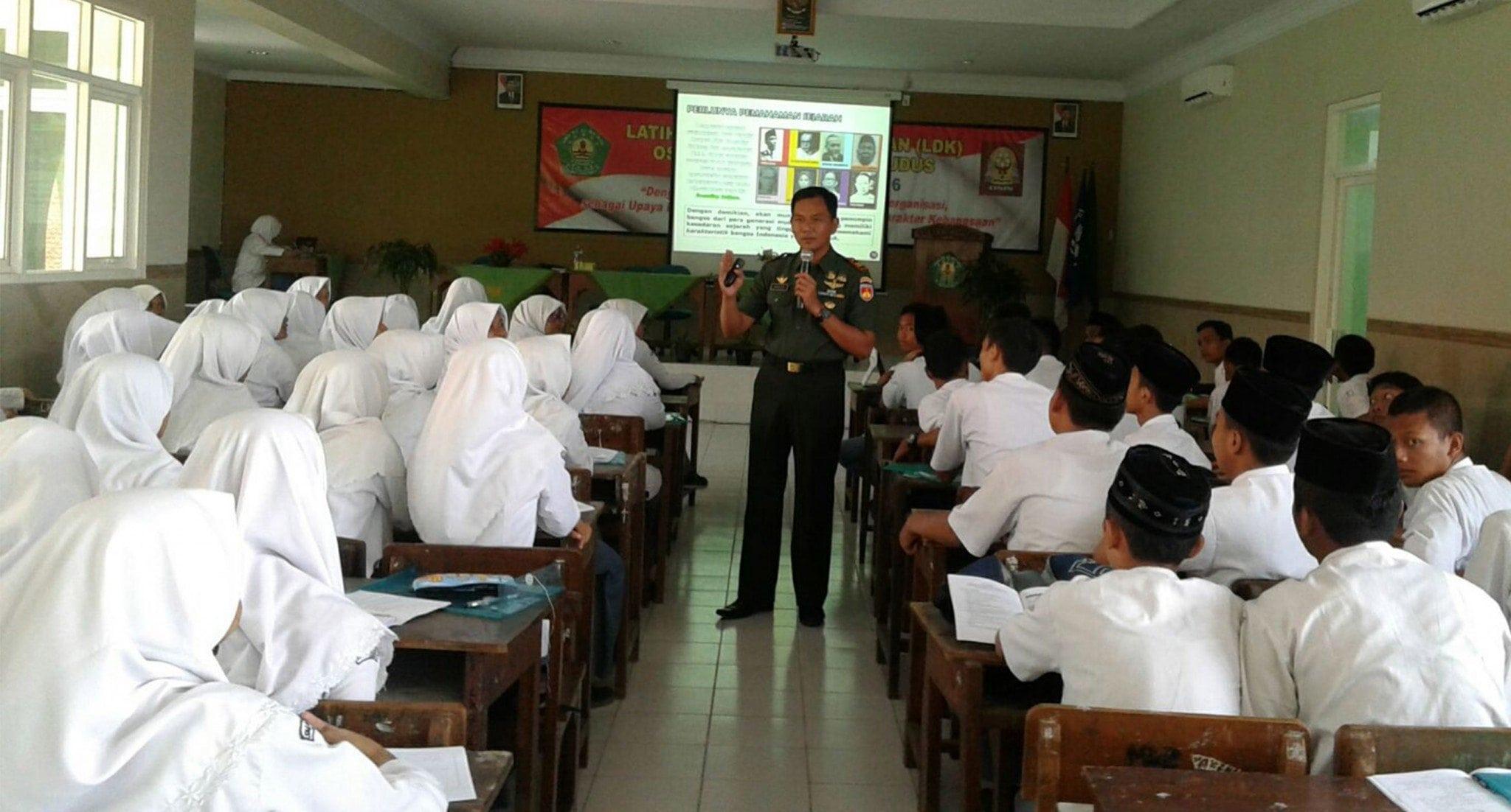 Kodim Kudus Tumbuhkan Semangat Bela Negara Kepada Pelajar