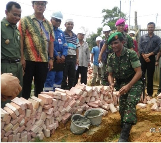 Koramil/07 Tanah Putih Renovasi Tugu Di Simpang Bukit Timah