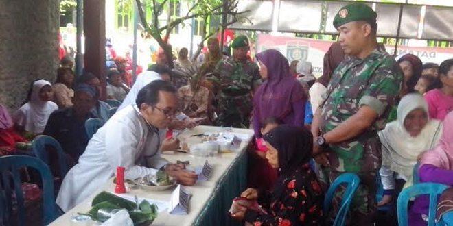 Sambut HKN, Dinkes Gandeng Koramil Gelar Baksos di Karangjati Ngawi
