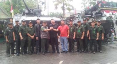 Pengurus dan Ketua Mitra Korem 052 berkunjung ke Pameran Alut Sista Korem 052/Wkr