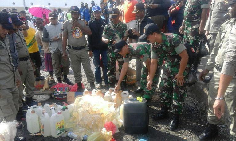 Sweeping Gabungan TNI-Polri Dan Satpol PP Terhadap Miras Di Kab Asmat