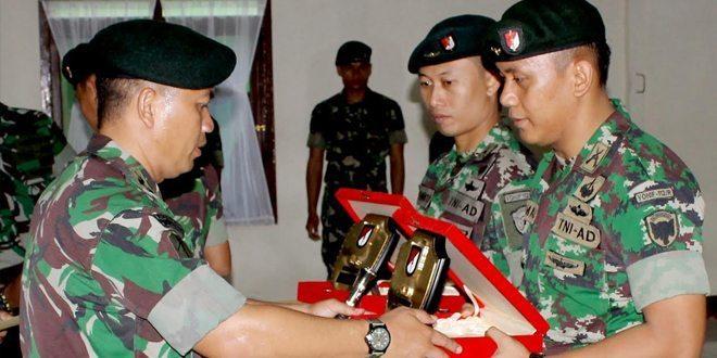 Danyonif Raider 112/DJ Pimpin Tradisi Korp Pindah Satuan Perwira
