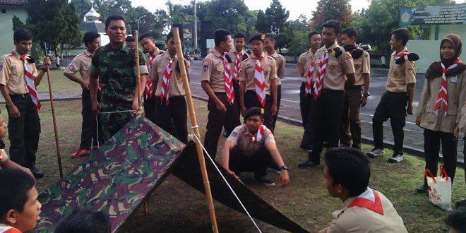 Anggota Staf Teritorial Kodim 0732/Sleman Bina Saka Wira Kartika