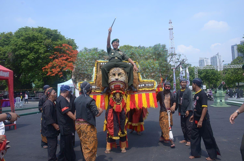 1. Pangdam V Brawijaya Resmikan Festival Brawijaya Fair 2015