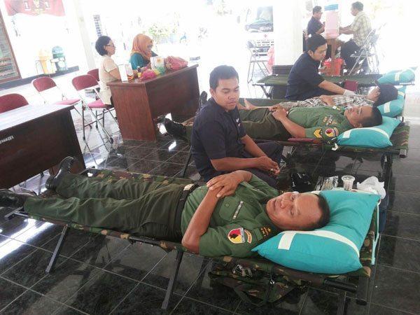 Sikap peduli Anggota Koramil dengan Berdonor Darah