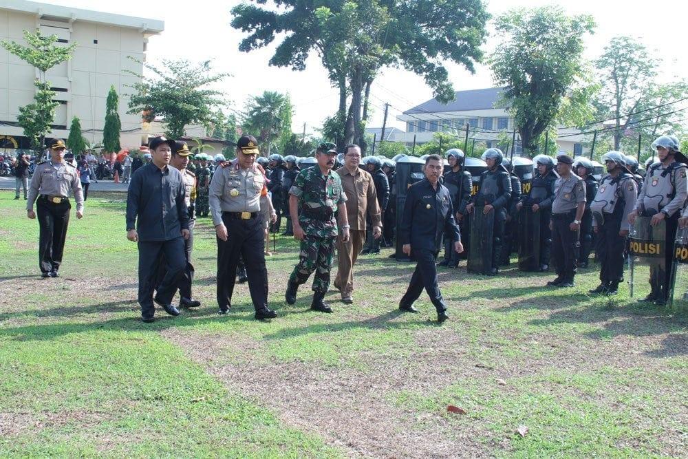Pemberangkatan Personel BKO Pam TPS Pilkada Serentak di 7 Kabupaten Provinsi Sumsel