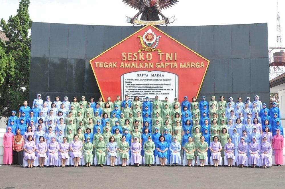 141 Istri Pasis Sesko TNI terima Pembekalan Ketua Umum Dharma Pertiwi