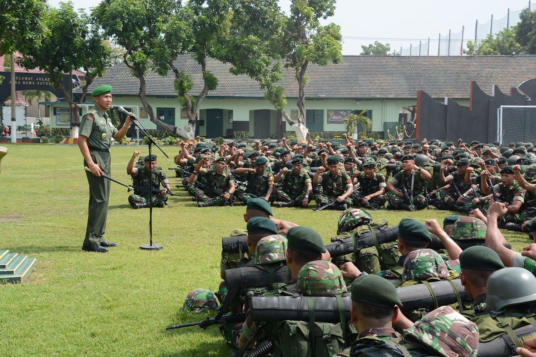 6. Pangdam V Brawijaya Sidak Yonif 500 Raider