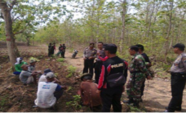 Koramil 0811/09 Jatirogo Melaksanakan Patroli Bersama Di Wilayah BKPH Sekaran KPH Jatirogo