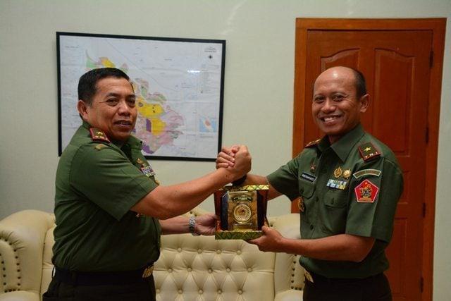 Danrem 031/Wirabima Menerima Kunjungan Komandan Pussenarhanud Kodiklat TNI AD