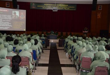 Dankodiklat TNI AD Berikan Sambutan Pada Acara Pertemuan Gabungan Anggota Persit KCK Se Jajaran PG Kodiklat TNI AD