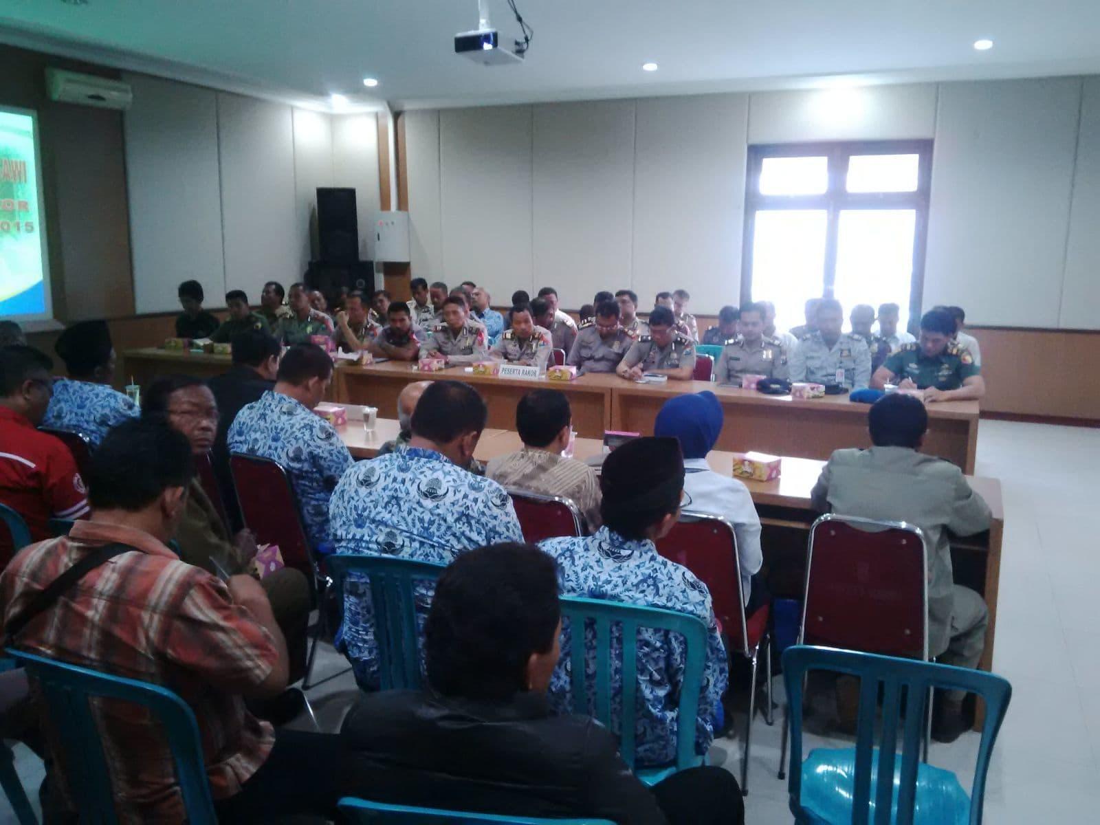 Polres Gelar Operasi Lilin dan Amankan Gereja Bersama TNI di Ngawi