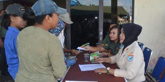 Hari Juang Kartika Kodam Gelar Pengobatan Masal di Rasau Jaya