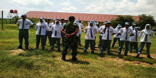Anggota Koramil 13/Kunduran, Latih Kedisiplinan SMK NU Kunduran