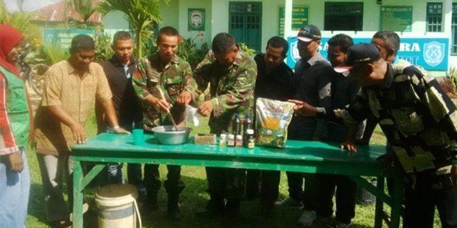 Koramil 24/IDT Aceh Timur Buat Pupuk Dari Keong