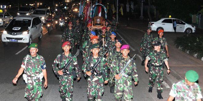 24 Prajurit TNI Kirab Piala Jenderal Sudirman