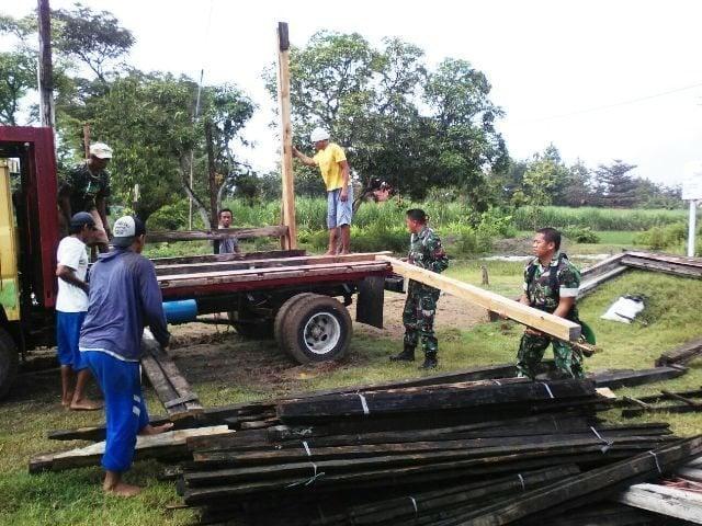 Personel Koramil 09/Randublatung, Gotong Royong Bersama Warga