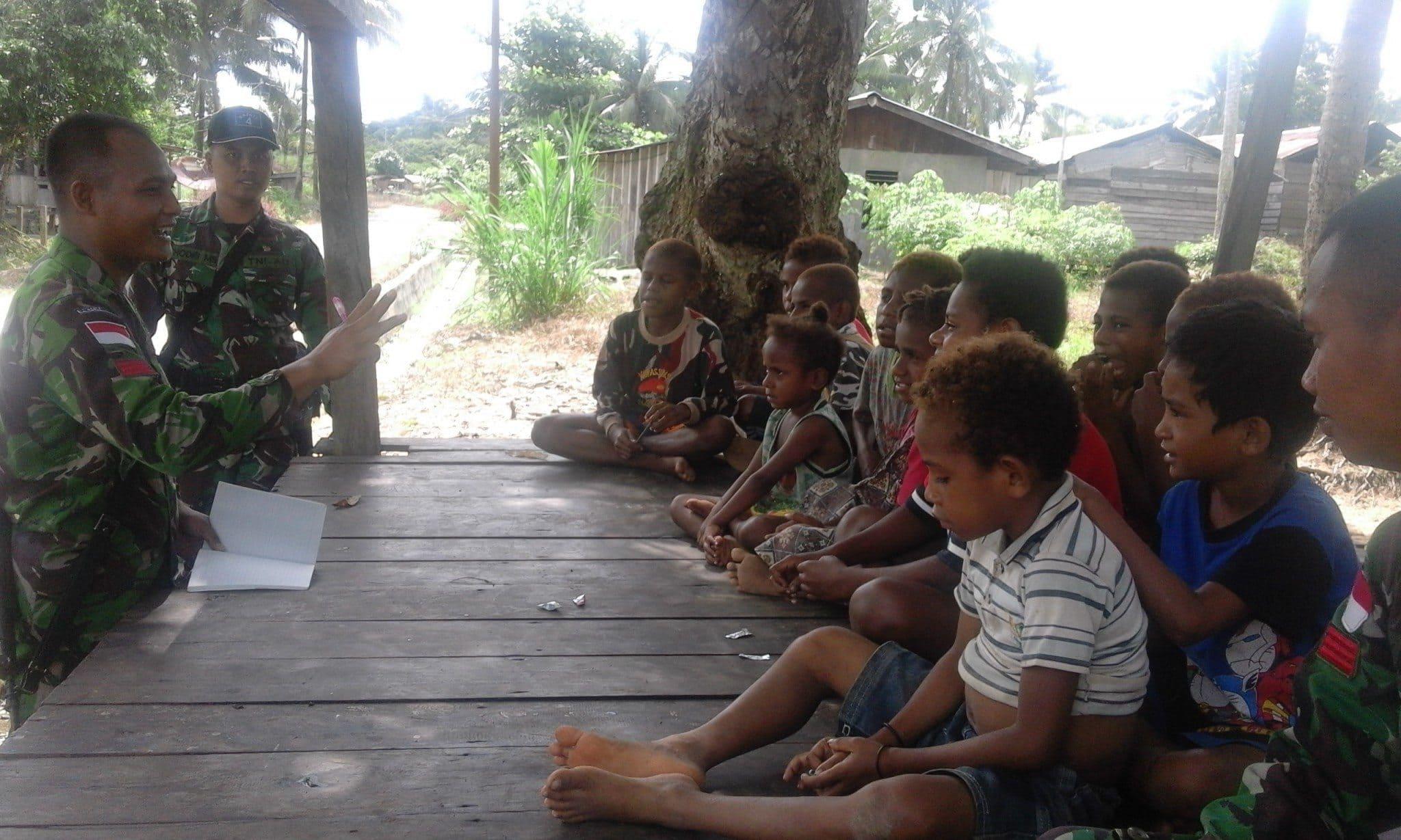 Prajurit Satgas Yonif 406 ck Mempunyai Anak Asuh Di Wilayah Terpencil Perbatasan RI PNG