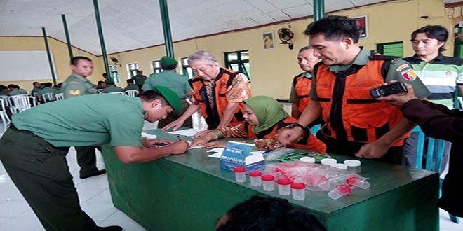 Kodim 0814 Tangkal Narkoba Dengan Cek Up Urin Personel