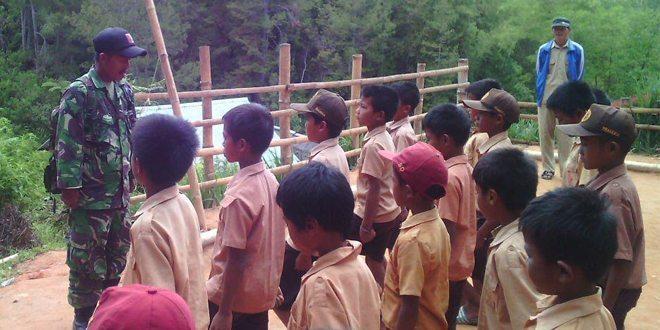 Kodim 1402/Polmas: Kegembiraan Anak-Anak di Pegunungan Mamasa