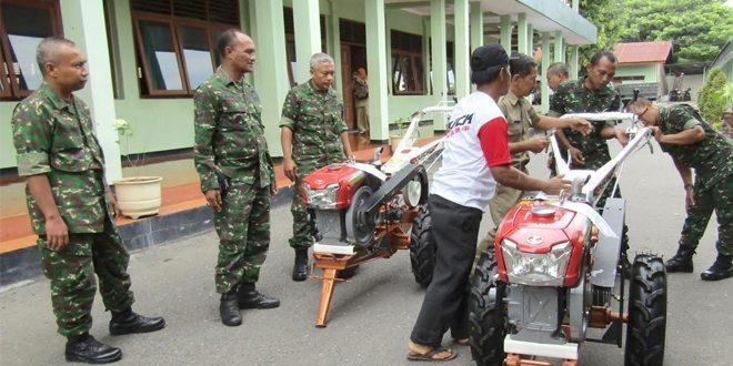 Korem 081/DSJ Serahkan 68 Traktor ke Kodim Jajaran