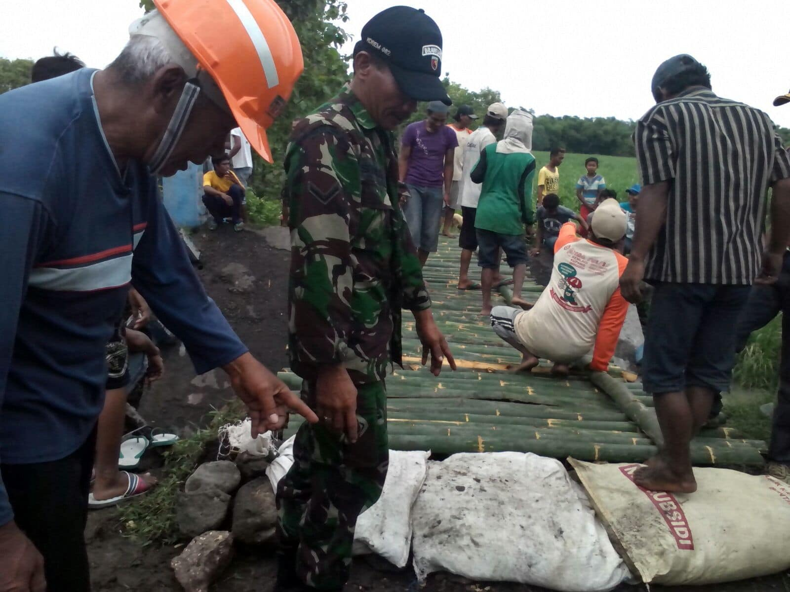 Jembatan PenghubungDesa Mojodanu dan Desa Kromong Ambruk