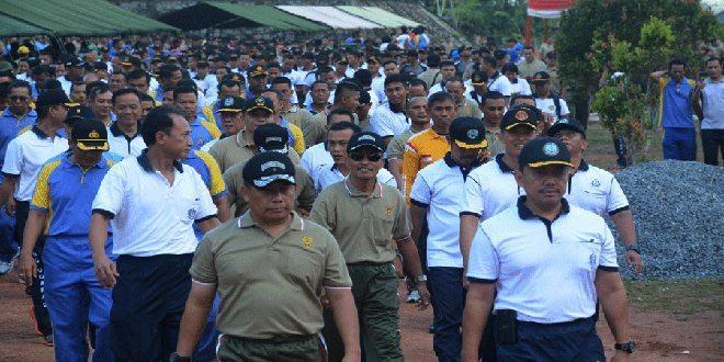 Prajurit TNI-Polri Melaksanakan Olah Raga Bersama