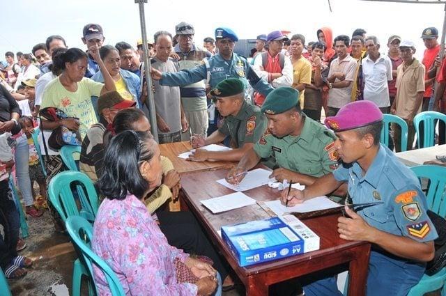 Satgas Bansos Kesehatan TNI Tiba di Pulau Moa Maluku