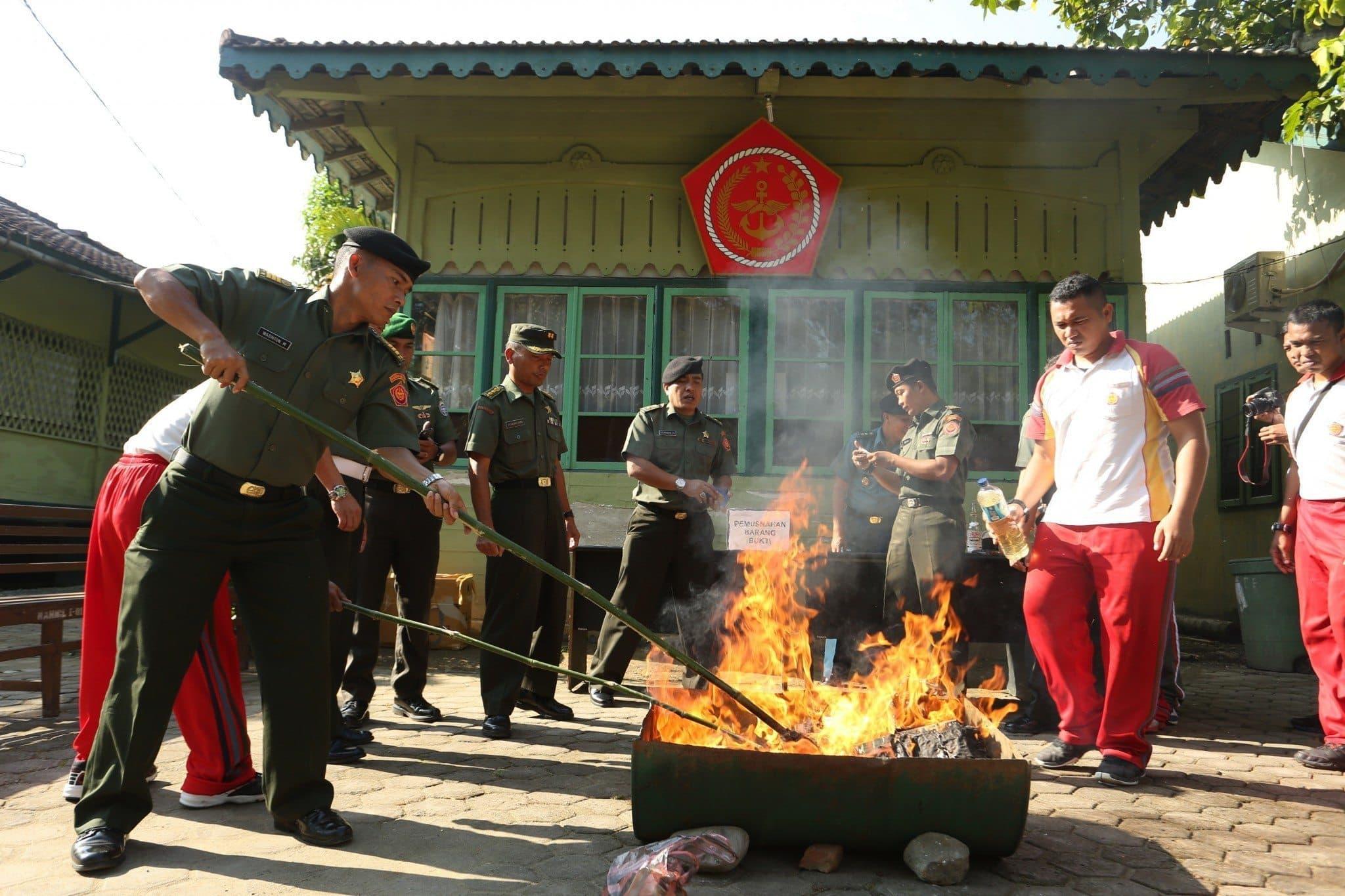 Oditur Militer I-01 Banda Aceh Musnahkan Barang Bukti Narkoba