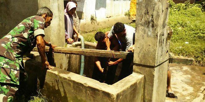 TNI Bantu Warga Kurang Mampu Dapatkan Air Bersih