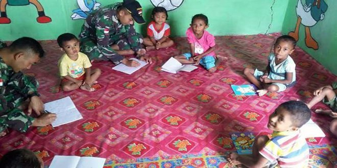 Satgas Pamtas RI-RDTL Yonarmed 11 Kostrad Mengajar PAUD di Perbatasan