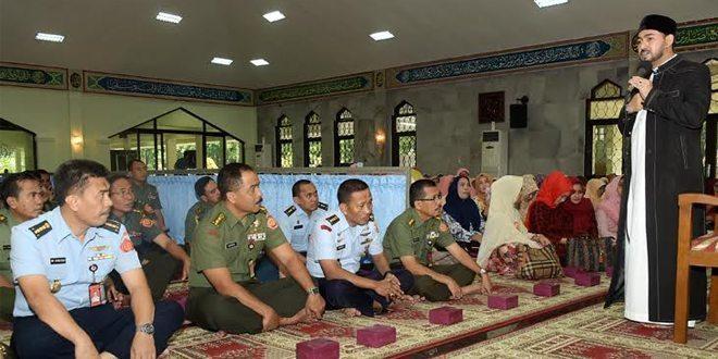 Personel Mabes TNI Ikuti Pembinaan Rokhani
