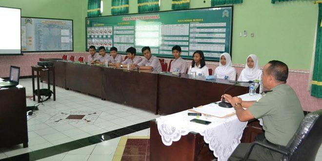 20 Pelajar SMA Jember Audensi Dengan Dandim 0824
