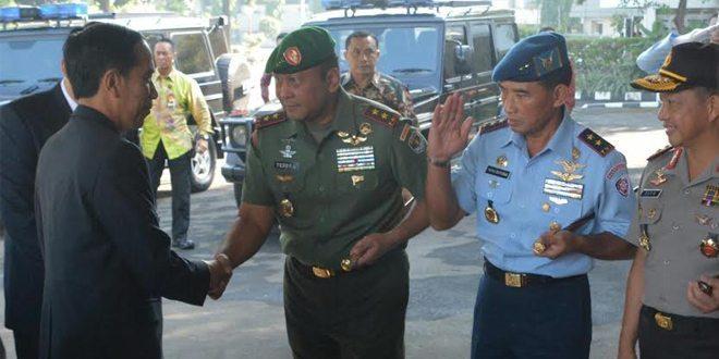 Pangdam Jaya bersama Kapolda Metro Jaya dan Pangkoopsau I Lepas Keberangkatan Presiden Joko Widodo Kunjungan Kenegaraan Ke Amerika Serikat