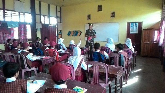 Babinsa Mengajar Wasbang Di SD 03 Kelurahan Pulau Kijang
