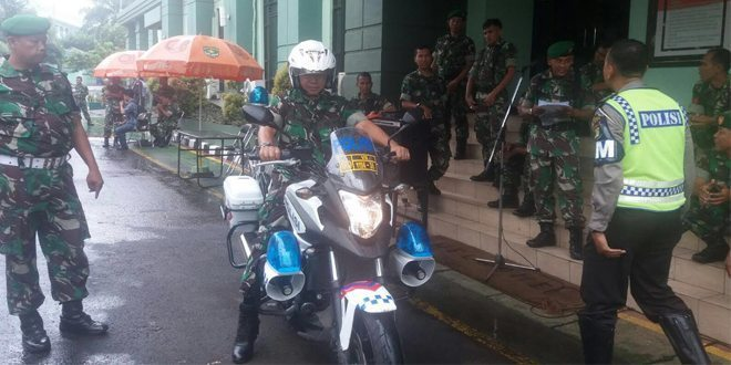 Prajurit Korem 051/Wijayakarta Uji Praktek berkendara Sepeda Motor
