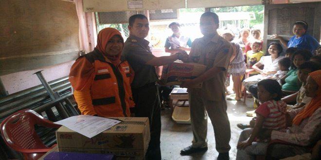 Penyerahan Bantuan Kepada Korban Bencana Alam Banjir