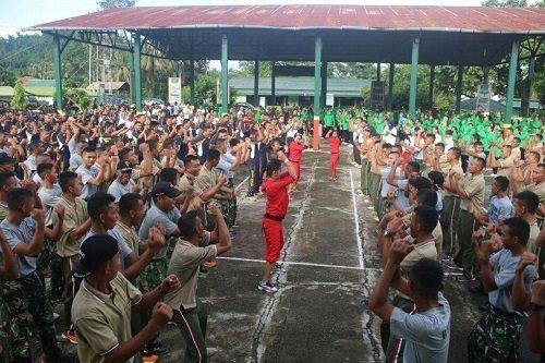 Dandim 1705/Paniai Hadiri Kegiatan Olahraga Bersama Dalam Rangka HUT Yonif 753/Avt