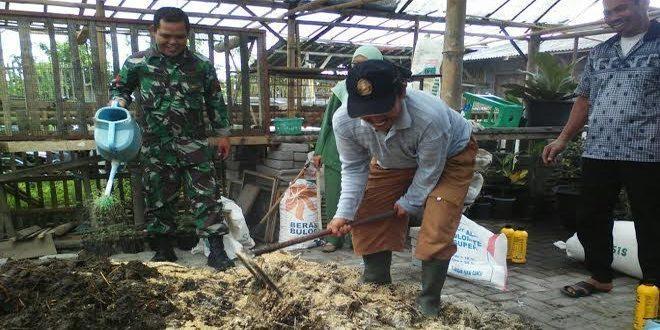 Buat Pupuk Kompos Untuk Menjaga Kesuburan Tanah